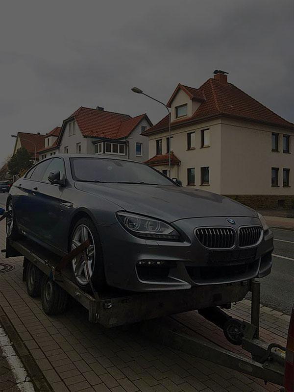 BMW на платформа за превоз на автомобили