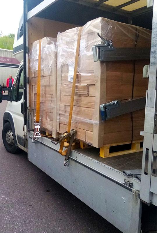 товар в камион